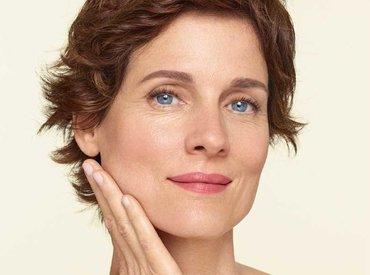 Menopauza és kollagénvesztés: miért ereszkedik meg a bőröm?