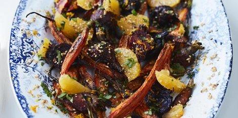 Céklás, sárgarépás saláta naranccsal és korianderrel