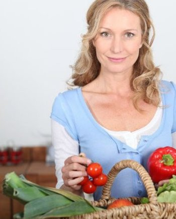 Hogyan segíthet az étkezés a változókor tüneteinek enyhítésében?